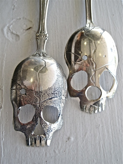 silver skull spoon pinky diablo